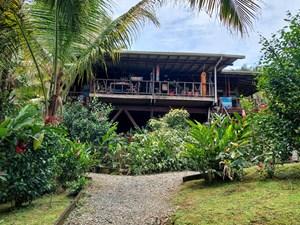 ENJOY THIS ISLAND STYLE HOME IN BOCAS DEL TORO PANAMA