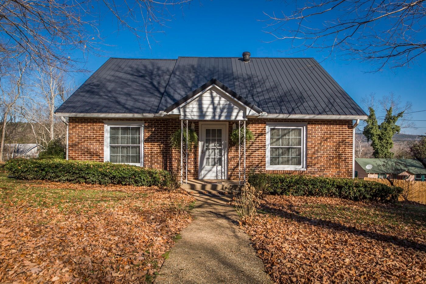 Country Cottage in Clinton, AR For Sale!!