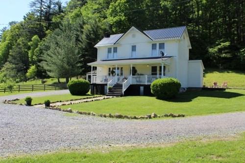 2 STORY HISTORIC FARM HOUSE LOCATED IN GRAYSON COUNTY, VA