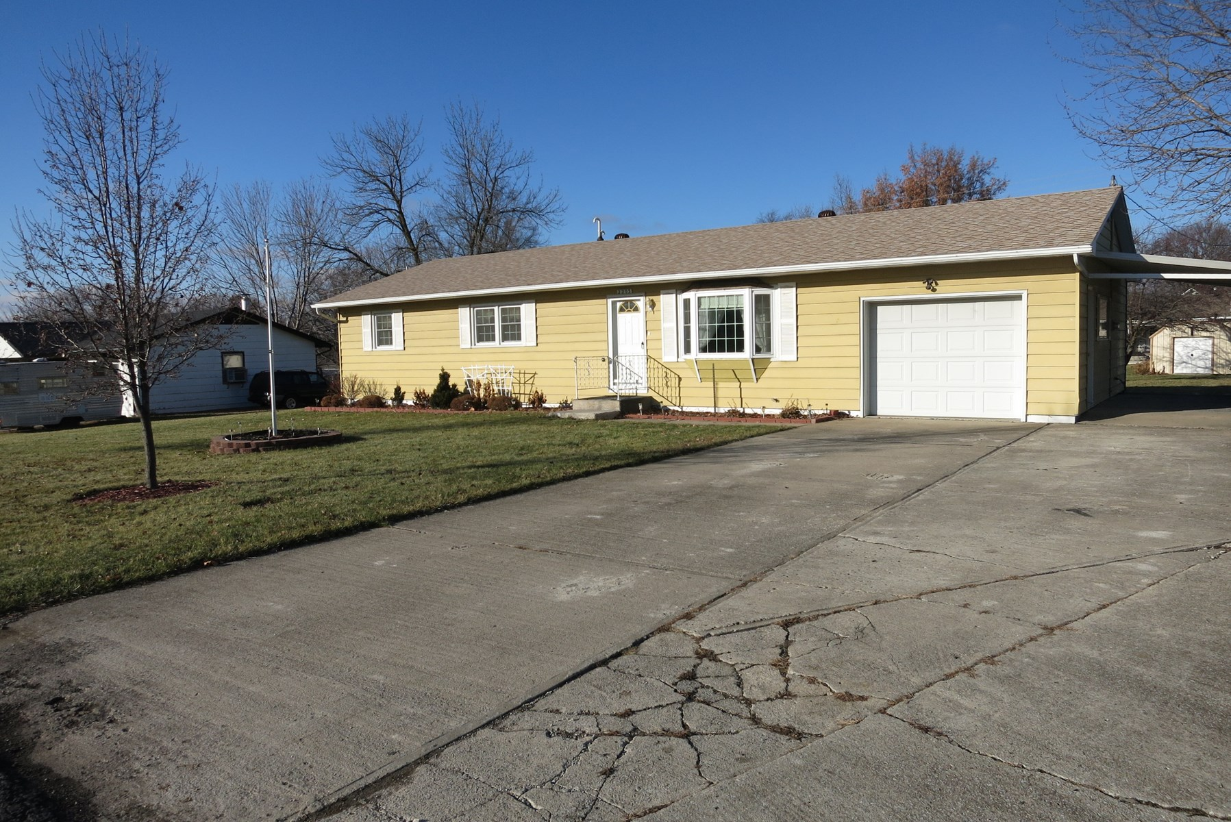 For Sale 1329 sq. ft. Ranch Home in Bethany