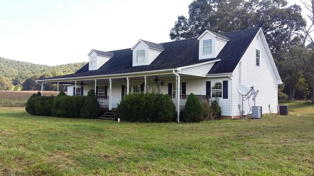 Country Home in Hiwassee, VA
