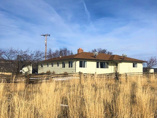 1,894 sq.ft. home on 19.17 acres For Sale in Modoc Co