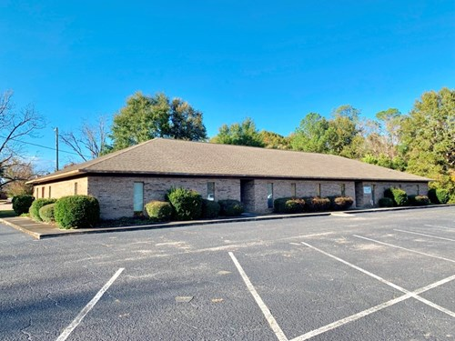 6036 SQ.FT. COMMERCIAL BUILDING FOR SALE GENEVA, ALABAMA