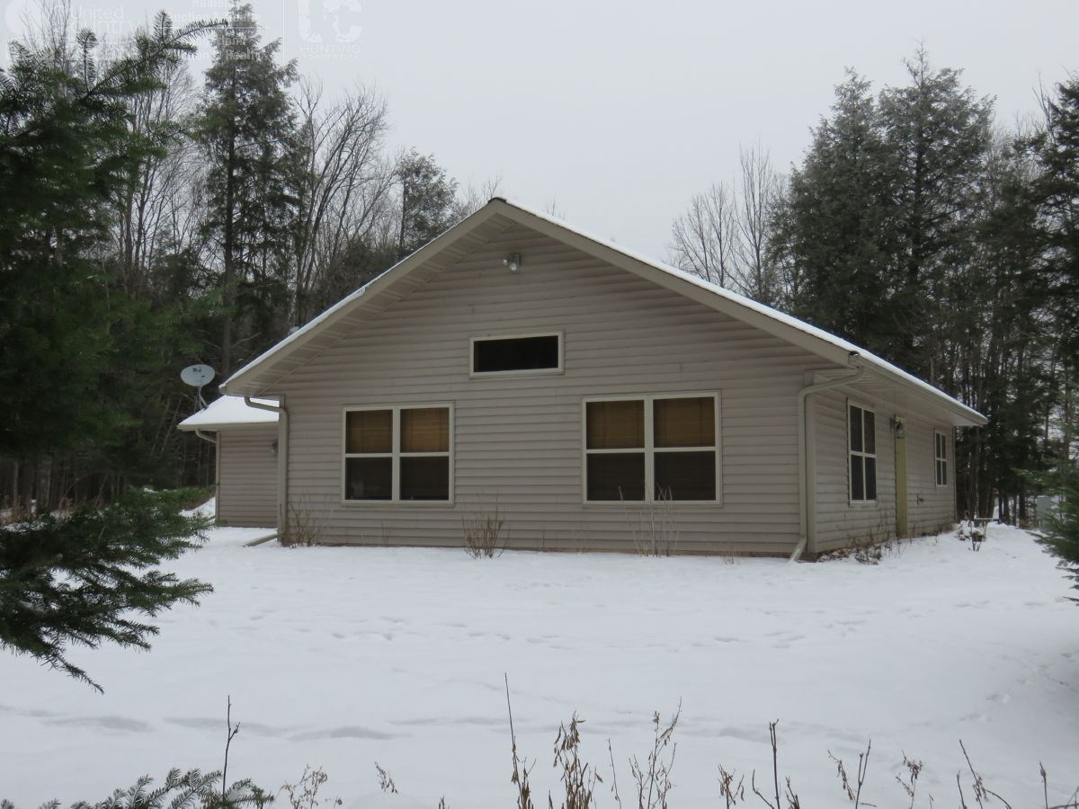 Great Northwoods Feel with Hunting and Home in Price County