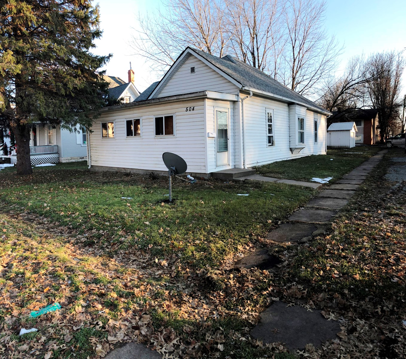 Two Bedroom Bungalow For Sale in Albia IA