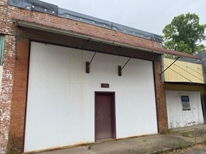 COMMERCIAL BUILDING IN RED RIVER COUNTY, TEXAS