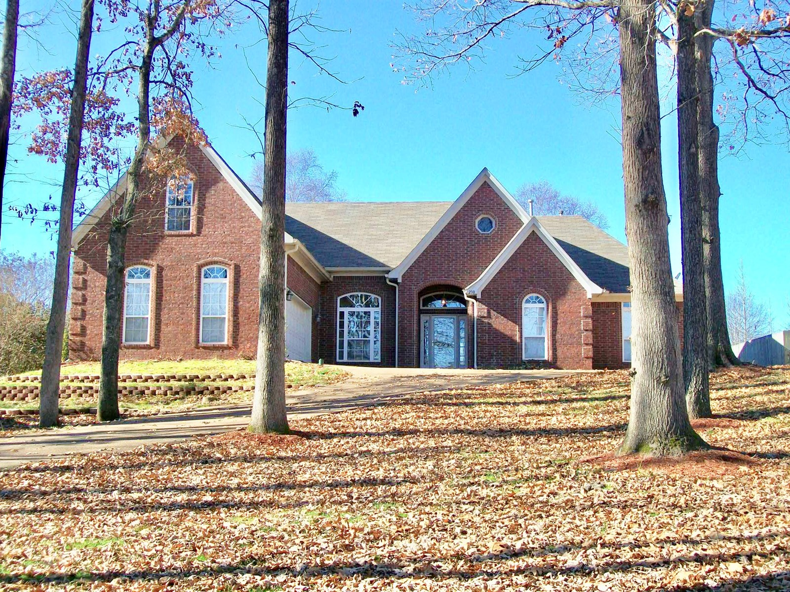 Beautiful Brick Home for Sale in Oakland, TN
