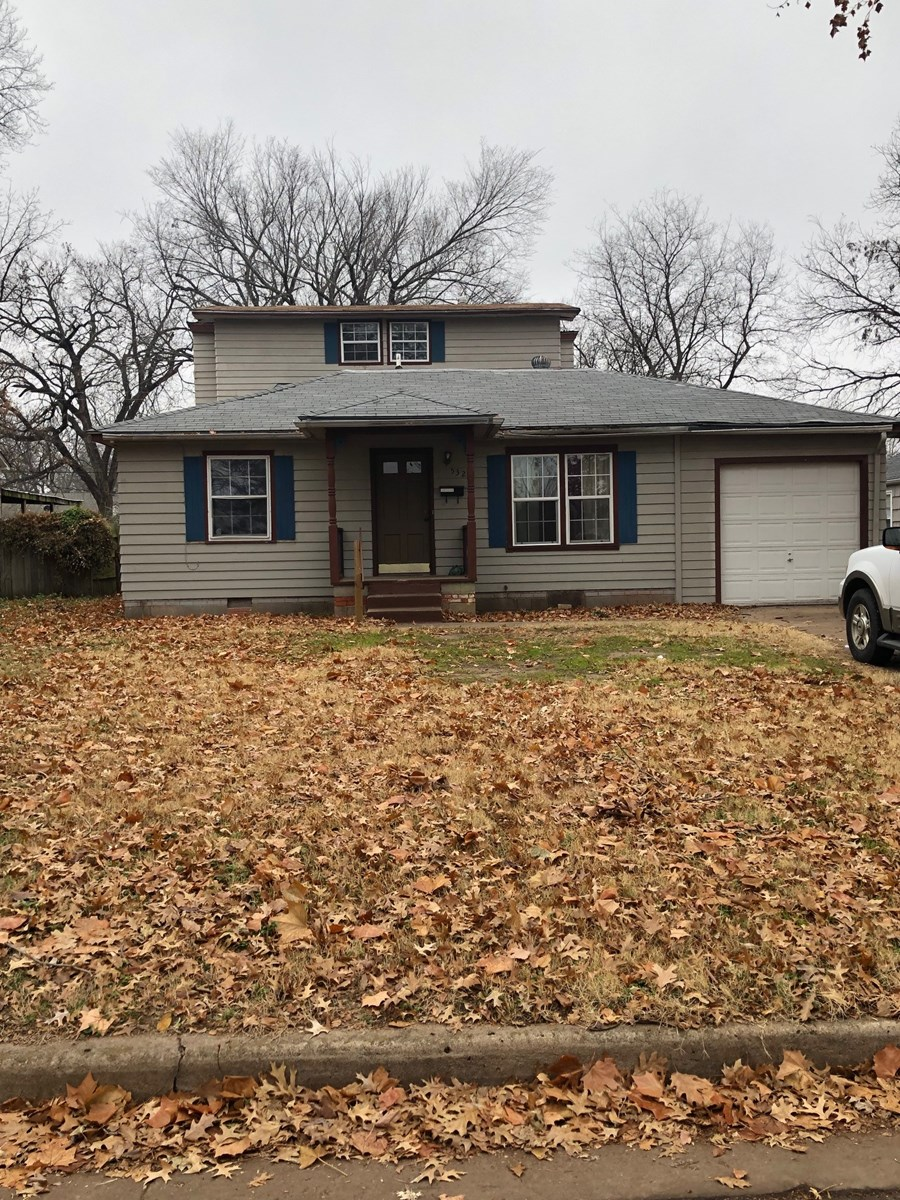 PONCA CITY 4 BEDROOM, 3 FULL BATH HOME FOR SALE