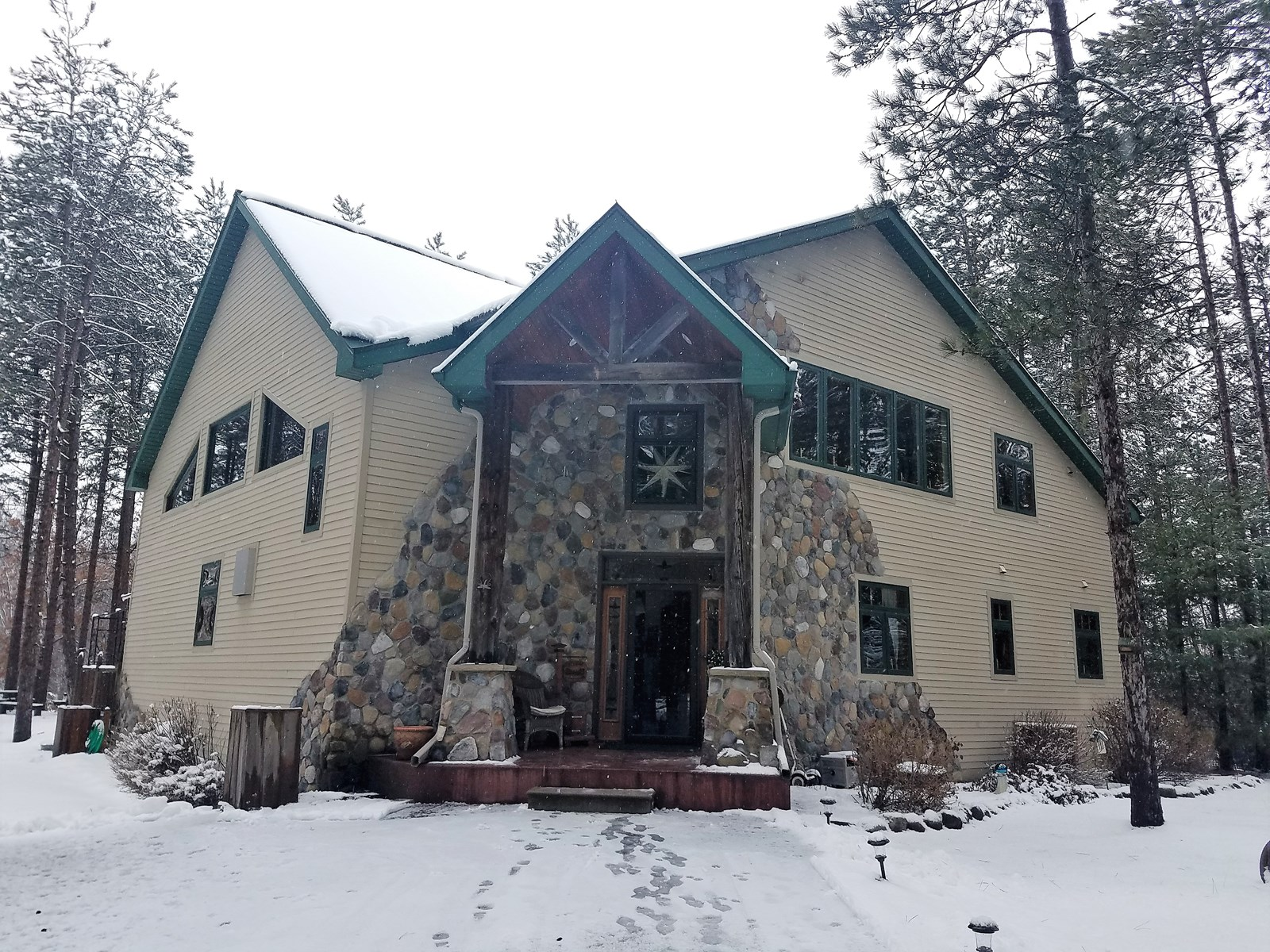 Lake Solitude Home for Sale in Waupaca WI