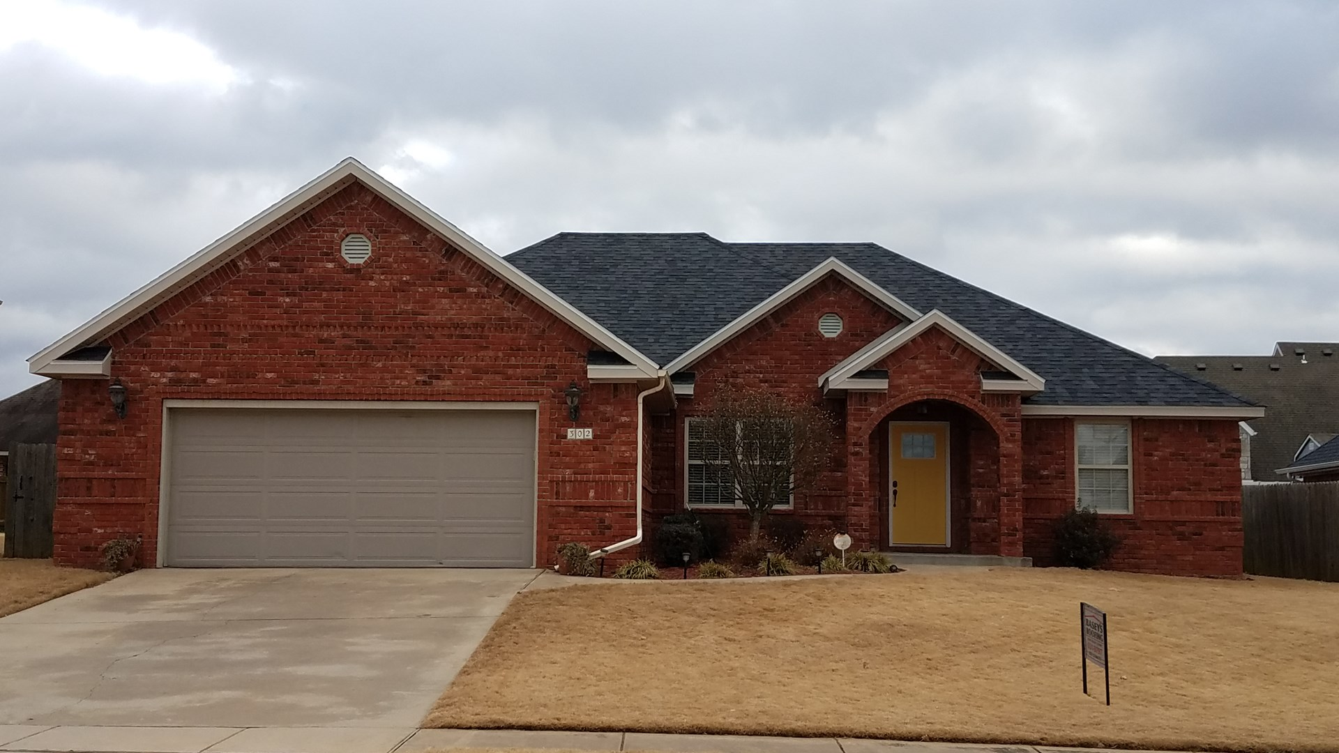 Charming 3 bed/2 bath home at 302 W Hayden Blvd, Rogers, AR