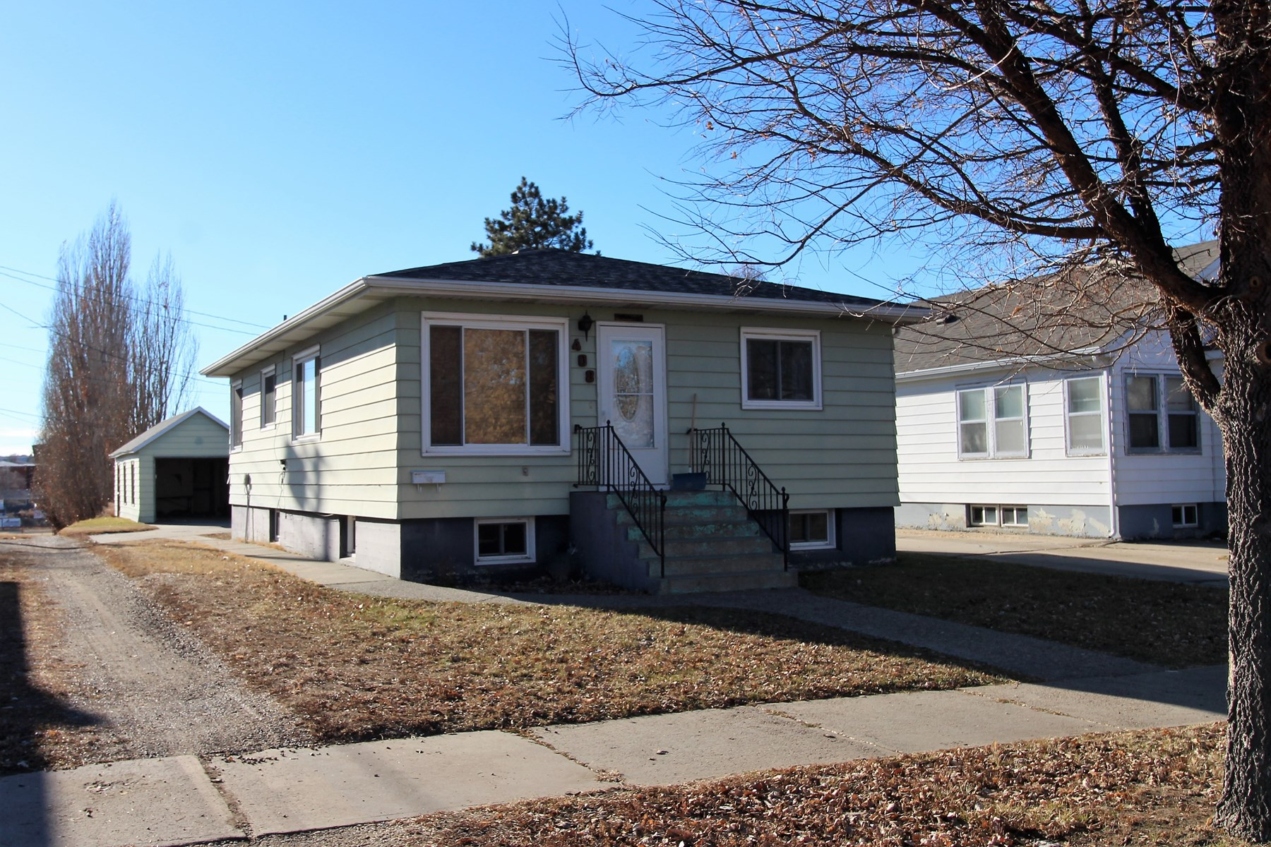 2/3 bedroom 1 bath home for sale - Great investment property