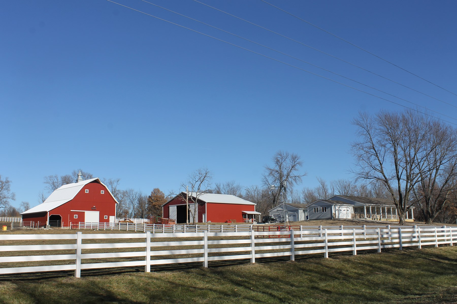 FOR SALE CAMERON MO 16 ACRES & NEW 4000 SQ FT RANCH HOME