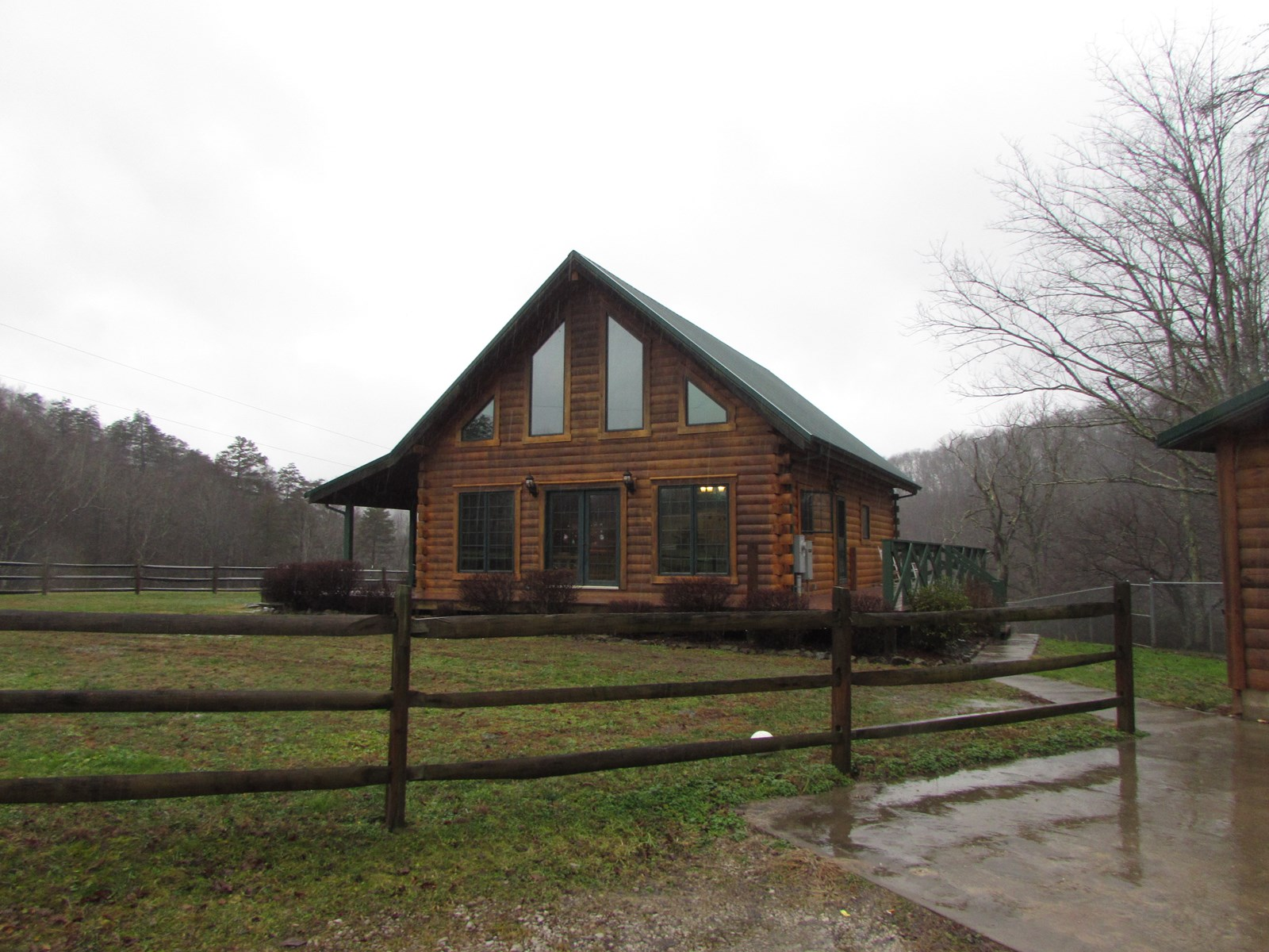 WV Log Home & 10 Acres