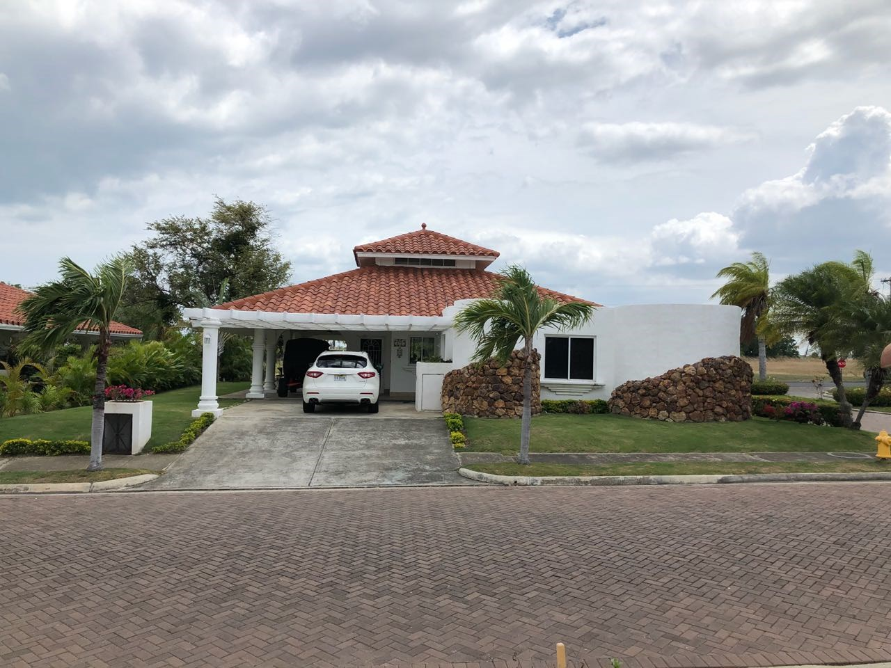 GOLF COURSE VIEW HOUSE FOR SALE/RENT IN VISTAMAR PANAMA
