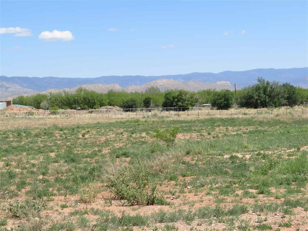 Five Acres in Tularosa