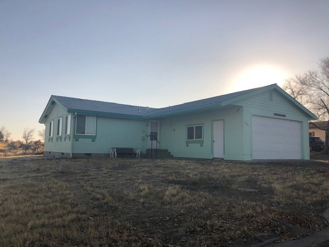 2 bed/2 full bath Home for sale on over an acre in Alturas,