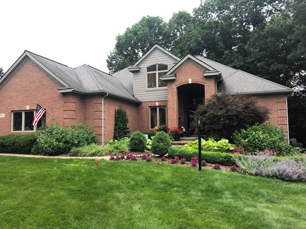 Exquisite Clarkston colonial, completely updated!