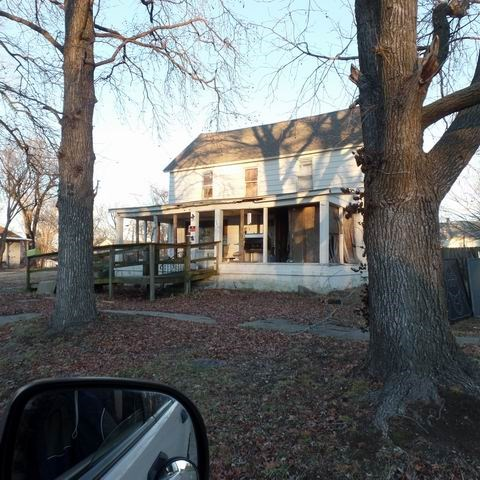 Large House Ready To Be Remodeled In El Dorado Springs, Mo.