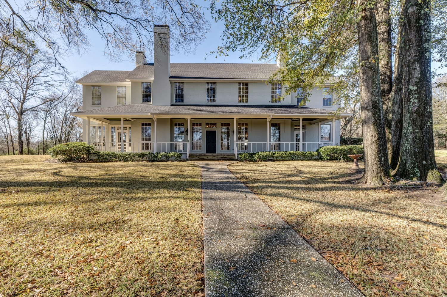 Hilltop Country Home for Sale in East Texas Near Flint Texas