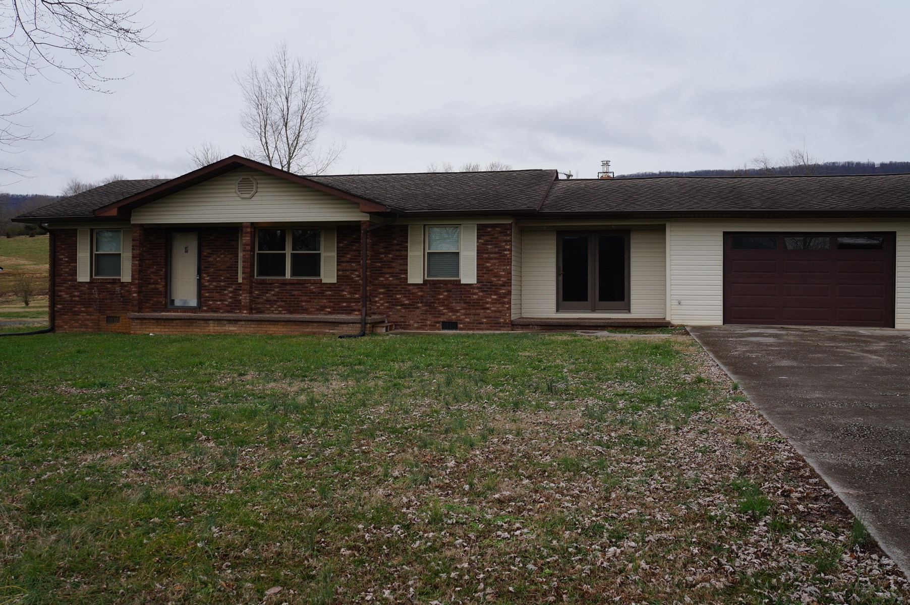3 BR 1 1/2 BA Brick Rancher in Rutledge, Tennessee For Sale