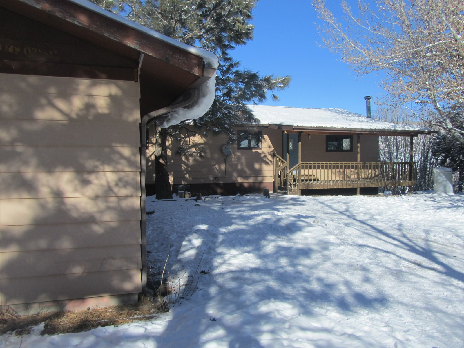 Home with Acreage For Sale in Collbran, Co