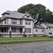 REAL ESTATE AUCTION~HISTORIC 5 BEDROOM HOME IN NEWTON KANSAS
