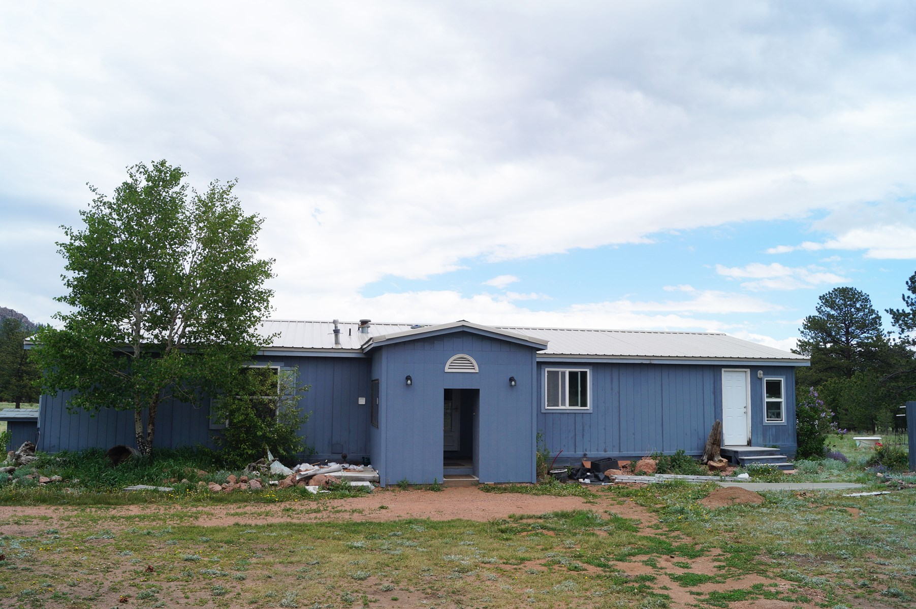 House with Acreage For Sale in Guffey, Colorado