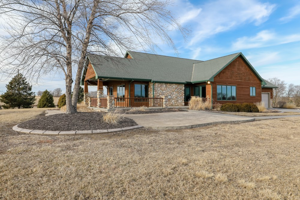 Craftsman Style Acreage for Sale in Nebraska
