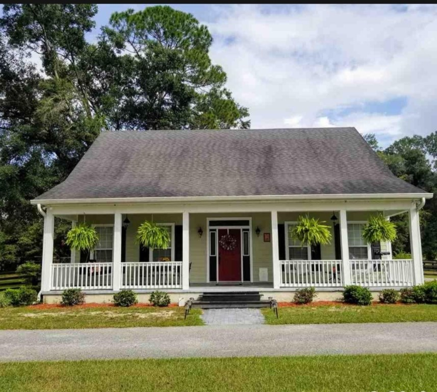 3 bed 2.5 Bath home in High Springs, Florida Country home