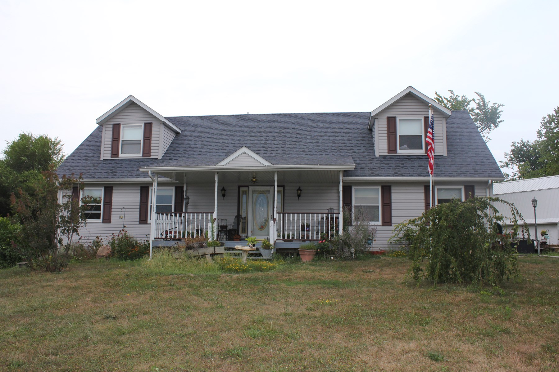 Country home for sale east of Unionville MO on 2 acres m/l
