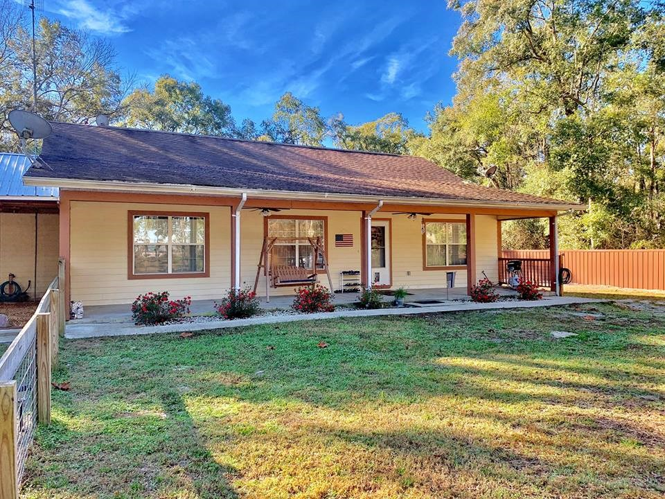 COUNTRY HOME FOR SALE - CHIEFLAND FLORIDA