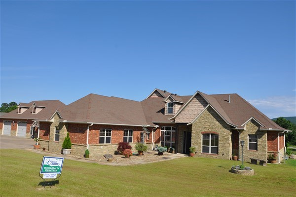 4 BEDROOM CUSTOM HOME ON WOLF MOUNTAIN GOLF COURSE