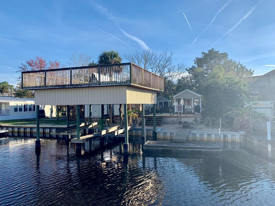 WATERFRONT HOME IN SUWANNEE FLORIDA - Canal lot with 2 units