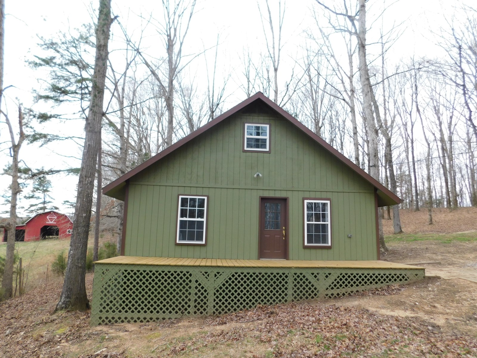 PRIVATE CABIN FOR SALE IN TN WITH POND, BARN, FENCING, LAND