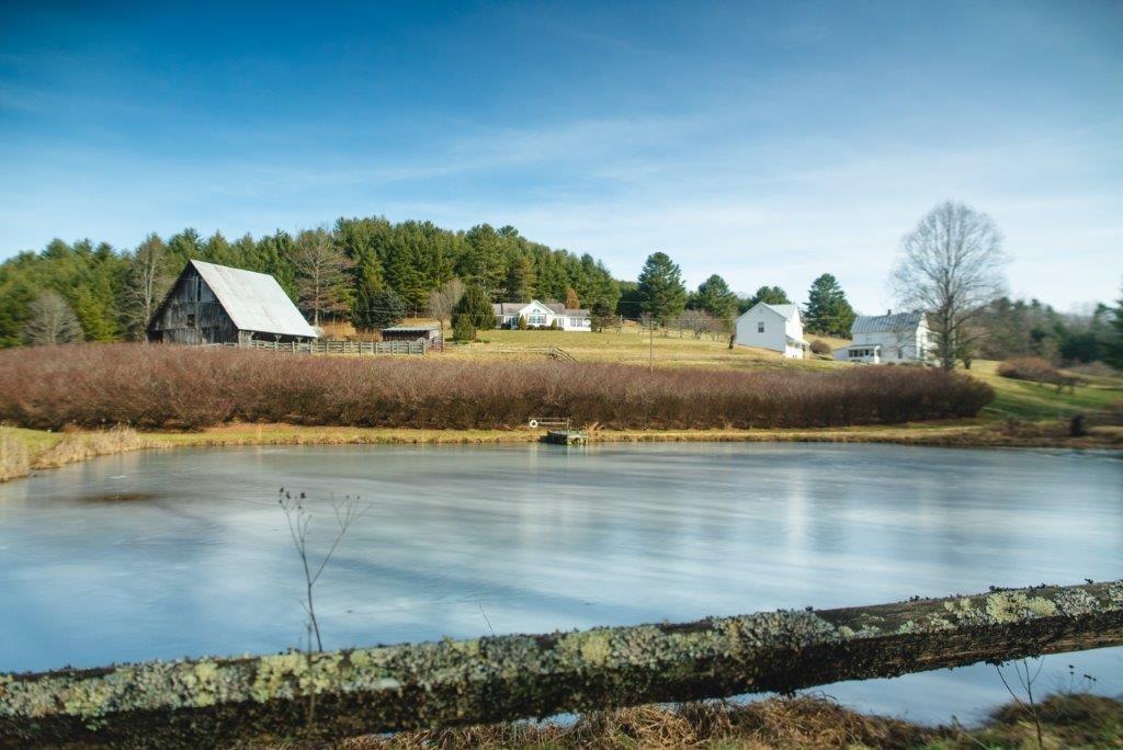 Homes on Farm and Acreage, Carroll County VA