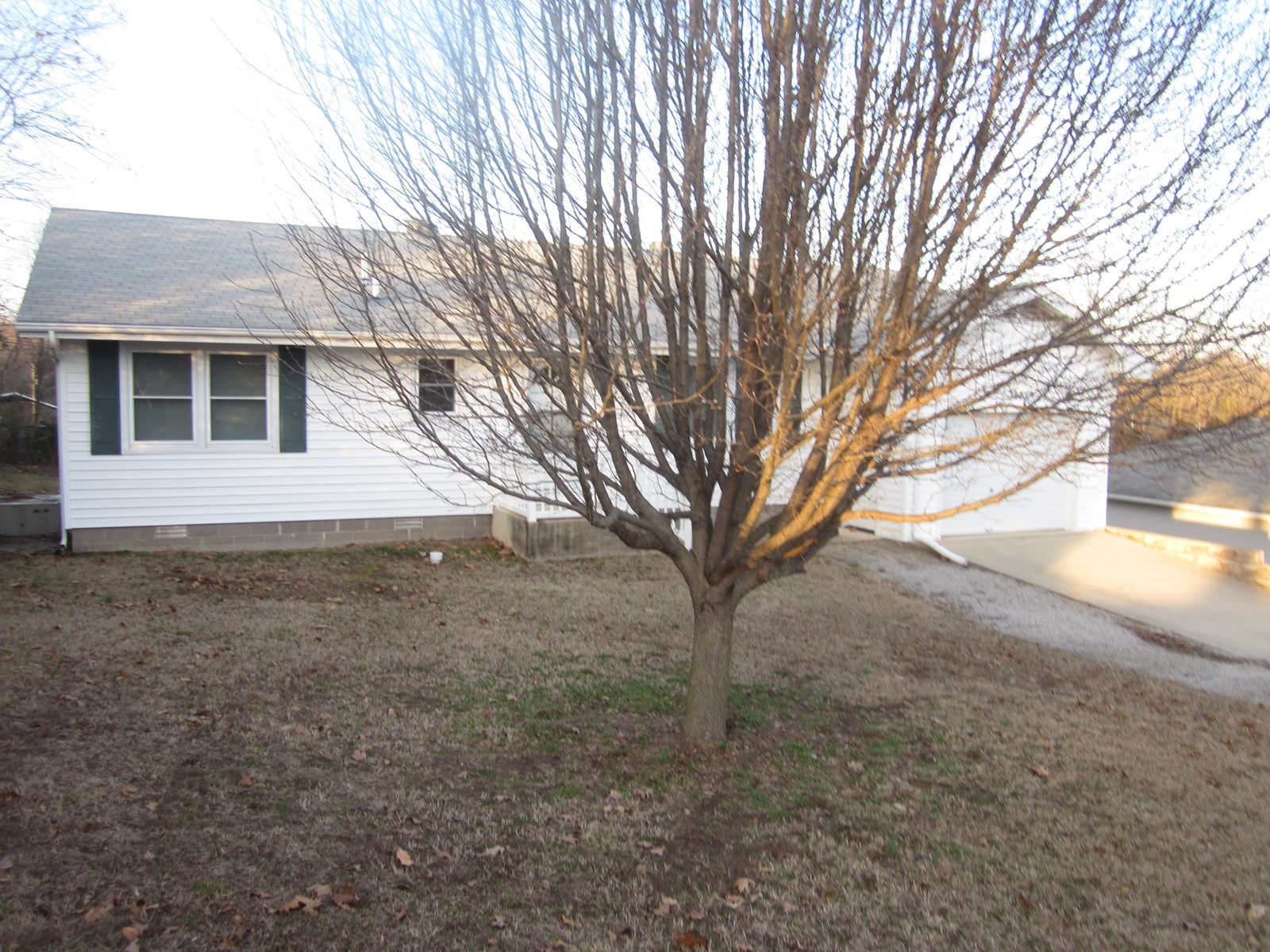 HOME FOR SALE IN MOUNTAIN HOME, ARKANSAS!