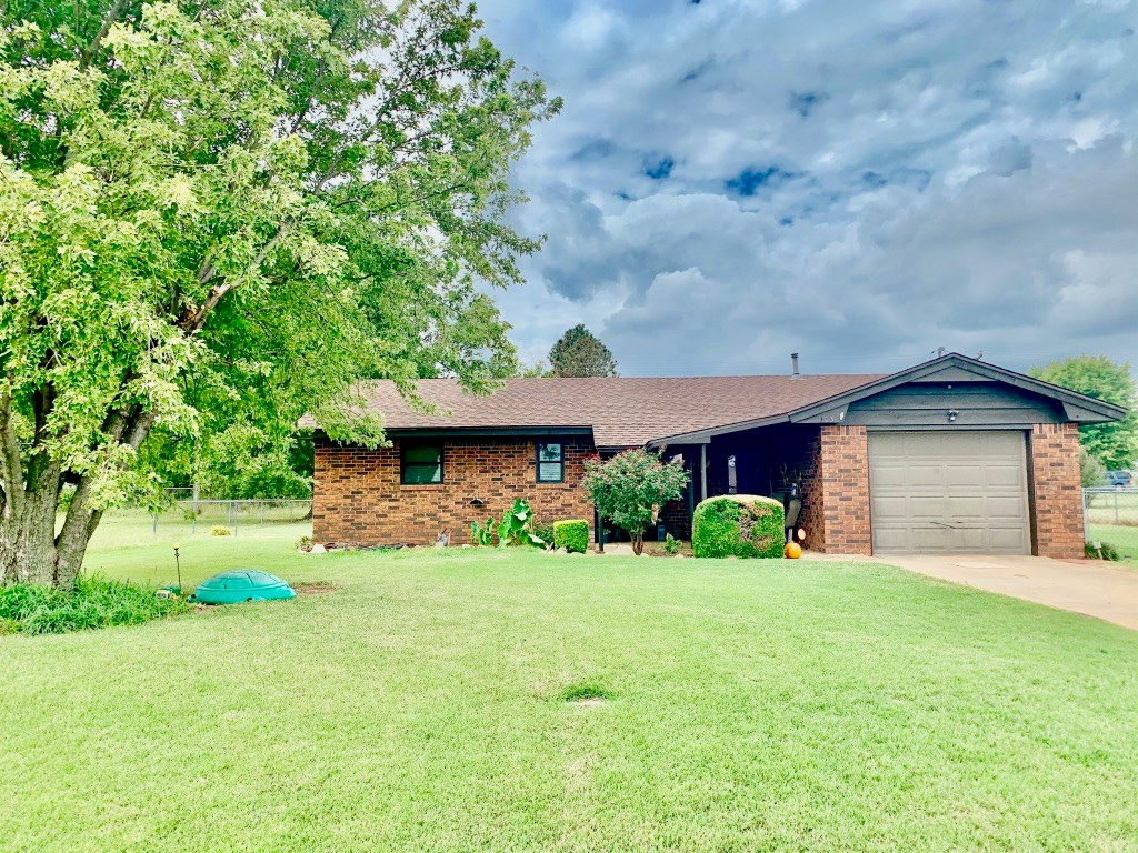WESTERN OKLAHOMA HOME FOR SALE