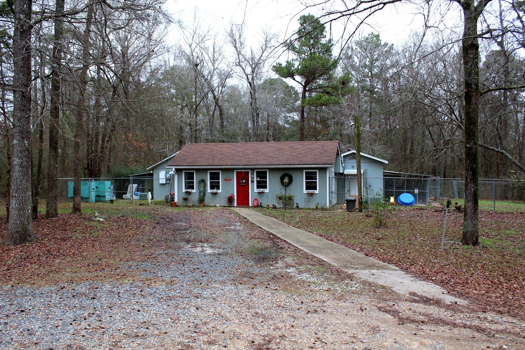 Boarding Kennel & Home For Sale in Mooringsport Louisiana