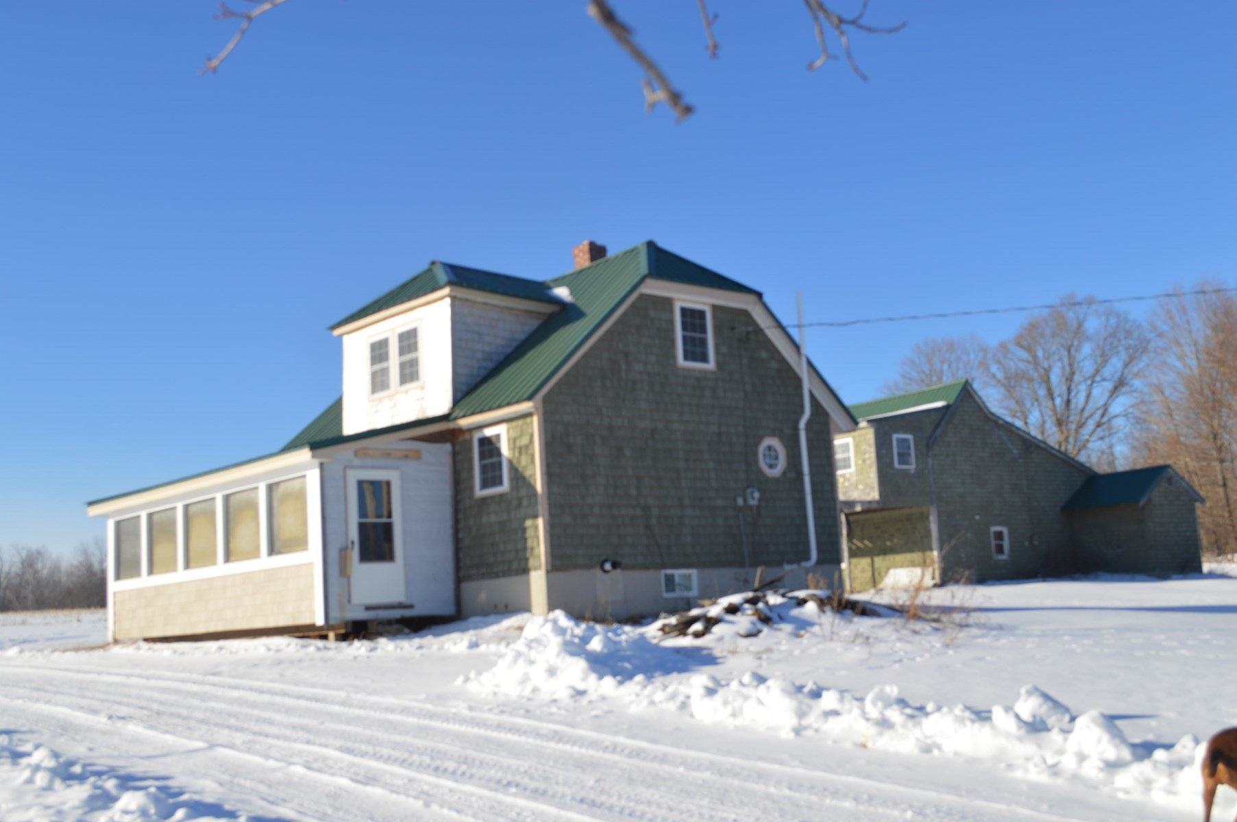 Country Home For Sale in Webster