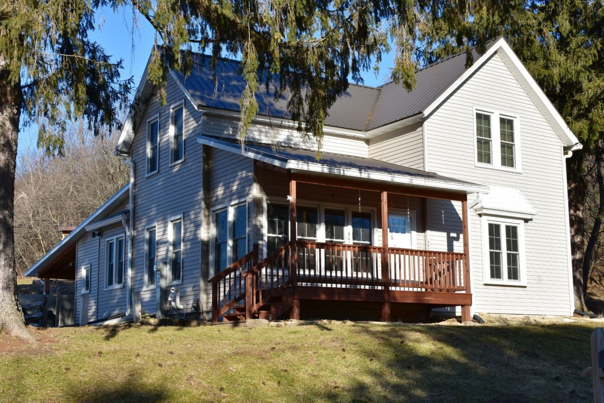 Country Home w/ Hunting and Fishing For Sale Richland County
