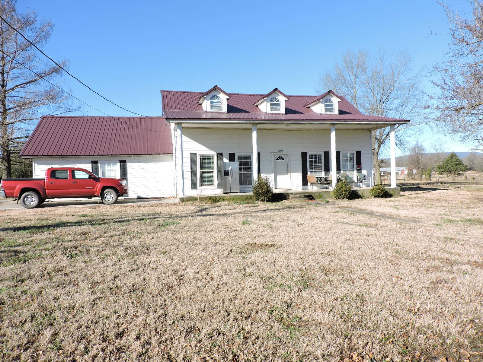 Country Farm Home With 4 Bedrooms and Acreage