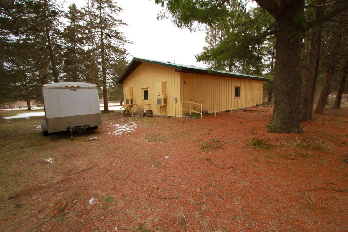 Recreational Hunt Camp Minutes from Wisconsin Dells