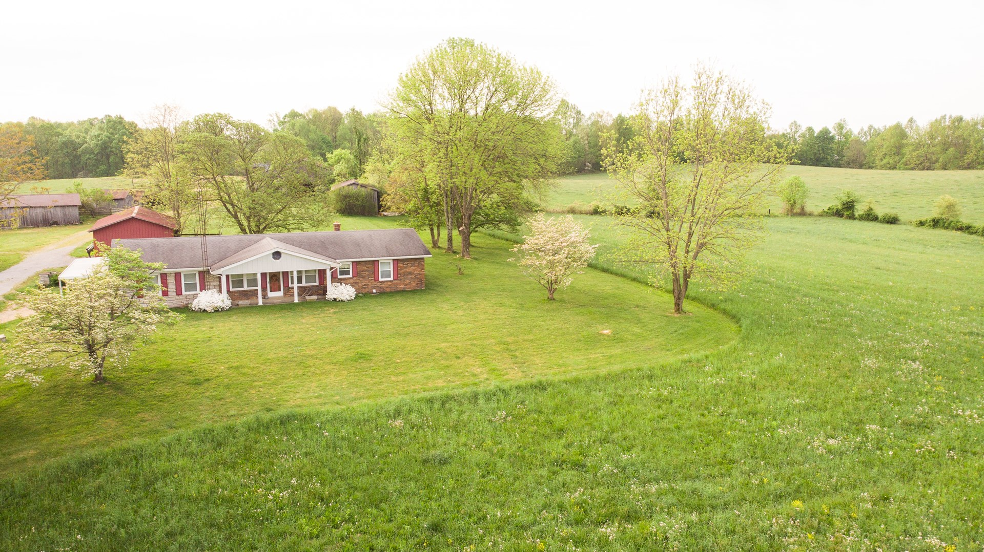 Country home & farm for sale in Liberty Kentucky