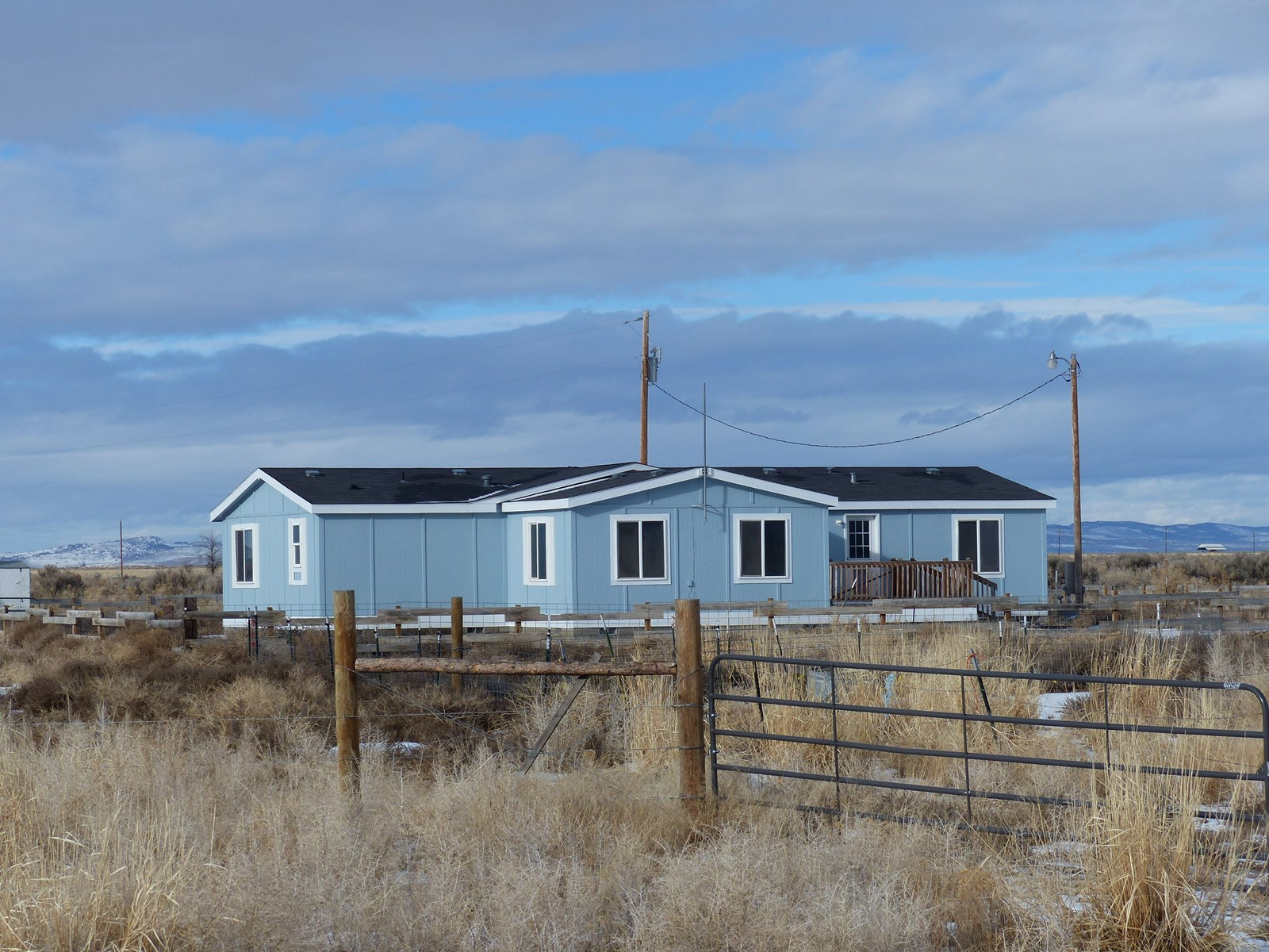 15 MILES EAST OF BURNS OR - MH ON 79+ ACRES FOR SALE