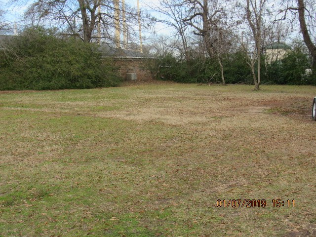 NICE VACANT LOT NEAR SCHOOLS AND SHOPPING