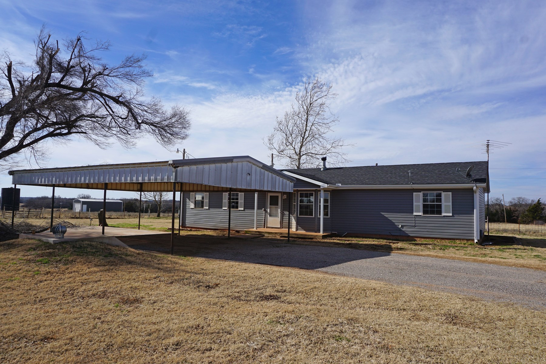 Hobby Farm on 4.4 acres +/-, Chandler, OK. Central OK