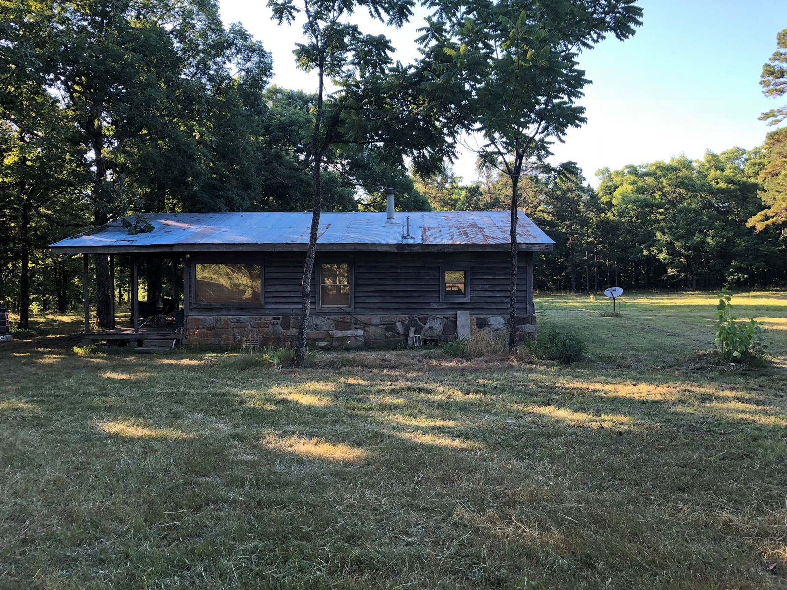 Arkansas Country Cabin on 40 acres in Searcy County
