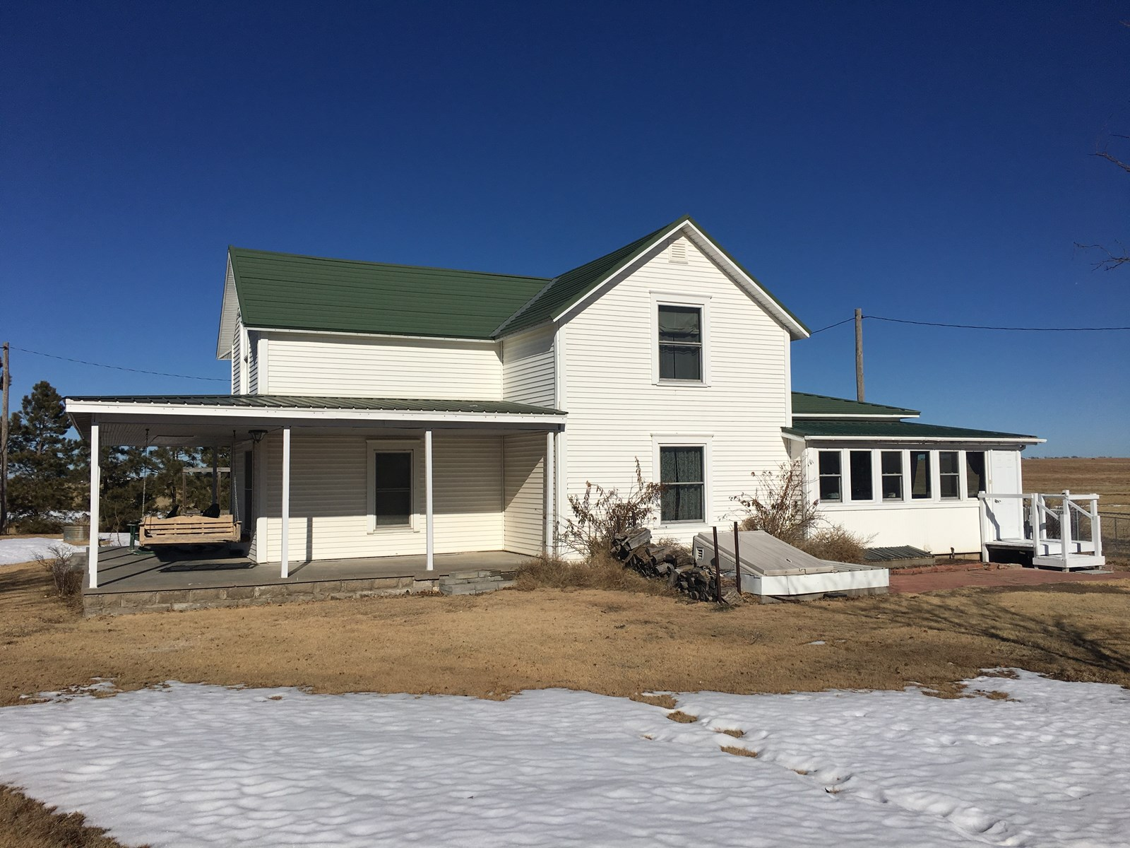 CHARMING, CLASSIC RANCH HOUSE ON 6.2 ACRES IN SW KS
