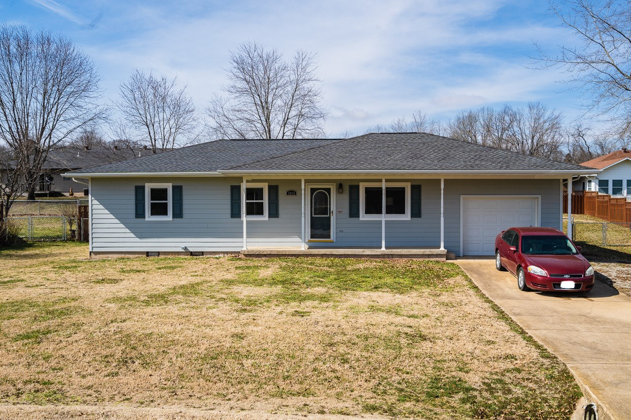 House in Town for Sale - West Plains, Missouri
