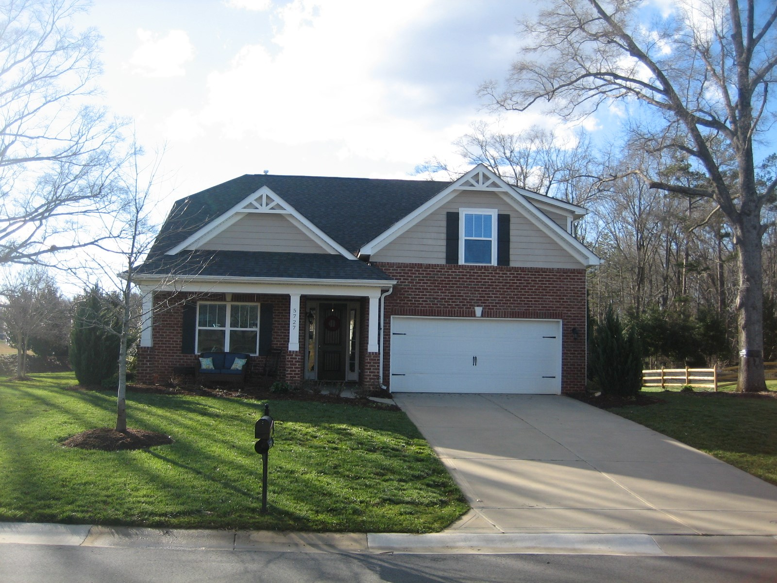 Beautiful Ranch With Bonus Room For Sale in Mint Hill NC
